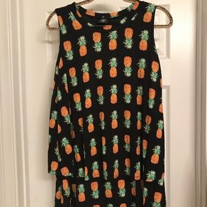 New large Agnes and Dora pineapple tiered tunic 🍍
